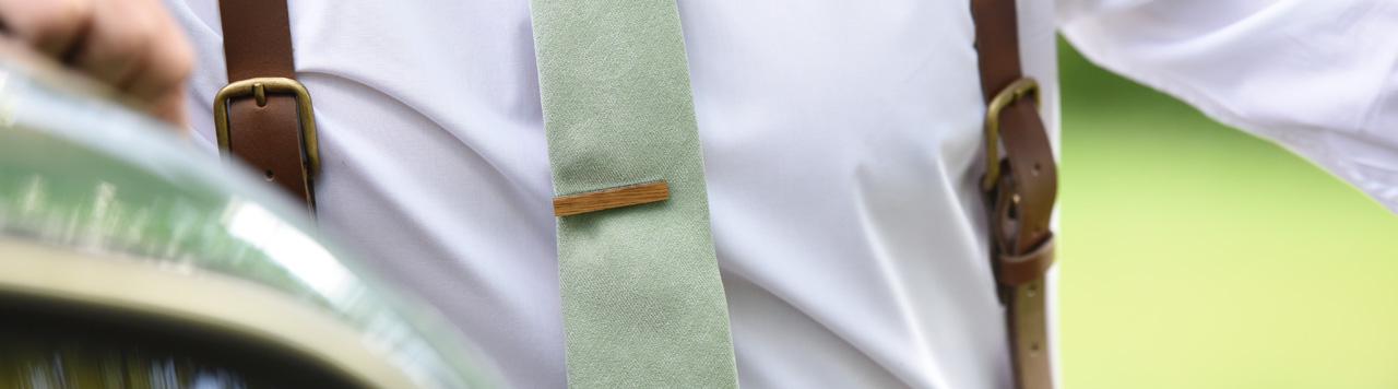 Tie pins light blue